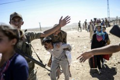 """Un médecin français évoque """"horreur"""" et """"carnage"""" pour les Kurdes"""