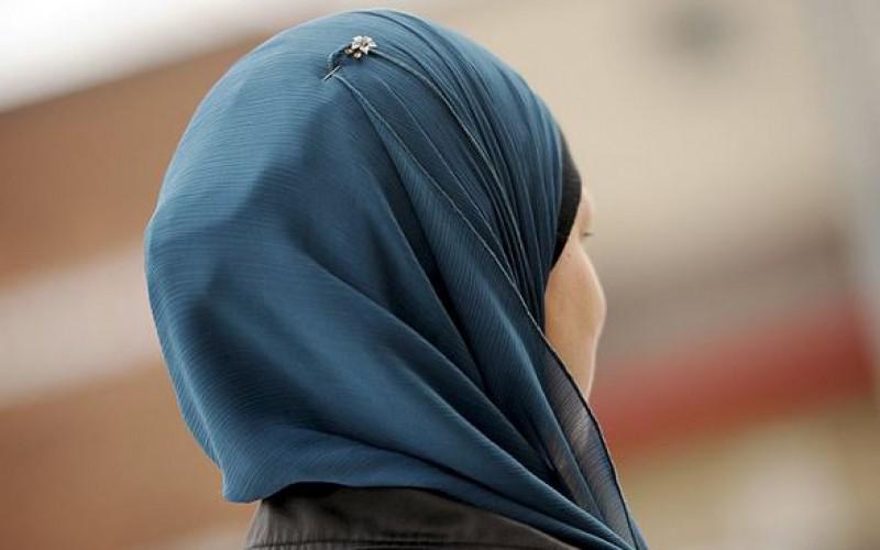 La Biélorussie: Interdiction du port du hijab sur les photos d'identité, critiquée par les musulmanes