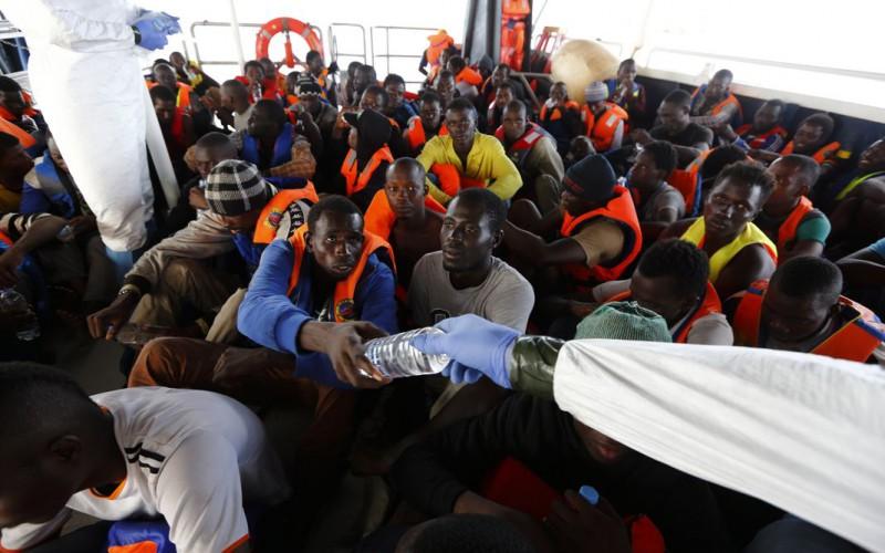 En Méditerranée, les Européens changent leur stratégie face aux migrants