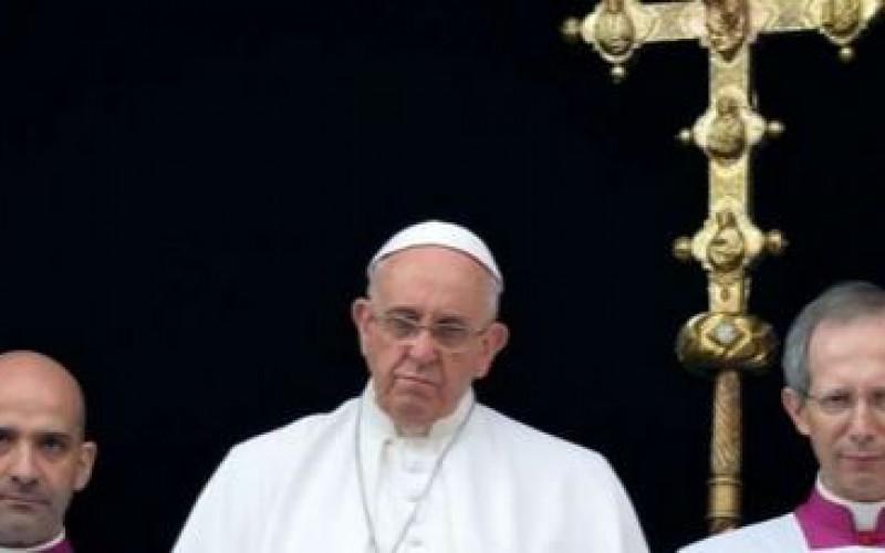 """Noël: Le pape a dénoncé la """"persécution brutale"""" des djihadistes en Irak, Syrie et ailleurs dans le monde"""