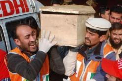 Au moins 130 morts, dont 84 enfants, dans l'attaque d'une école par des talibans au Pakistan