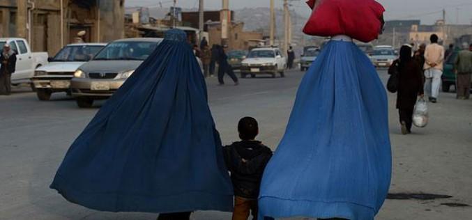 Afghanistan: à Kaboul, des femmes sont abandonnées dans l'indifférence générale (VIDEO)