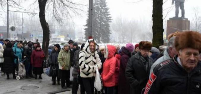 A Donetsk, en Ukraine, mourir en venant chercher de l'aide humanitaire