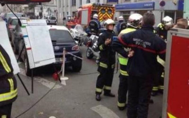 France: Attentat contre l'hebdomadaire satirique Charlie Hebdo, Au moins 12 morts