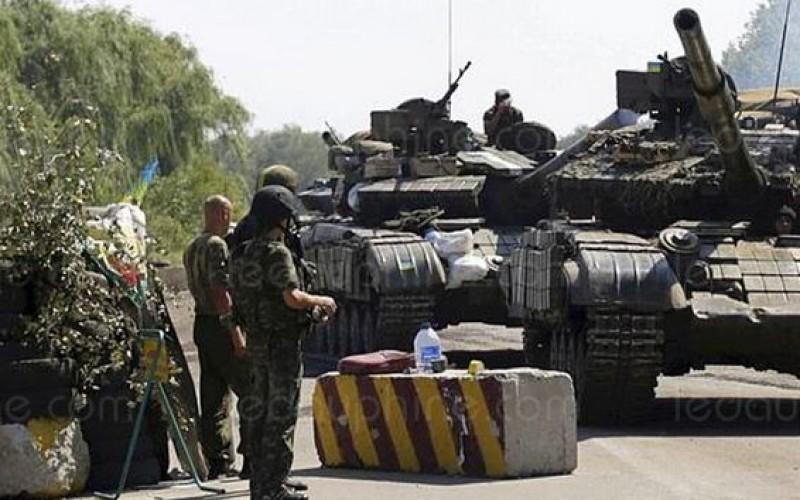 Ukraine: une attaque contre un barrage de l'armée, dix civils tués  et treize autres blessés