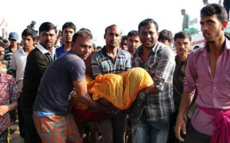 Le naufrage d'un ferry au Bangladesh, au moins 38 morts