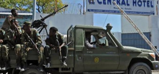 Somalie: au moins 25 morts dans une attaque de Shebab contre un hôtel