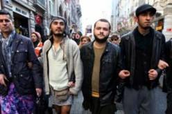 Turquie: Des mini-jupes pour lutter contre les violences faites aux femmes