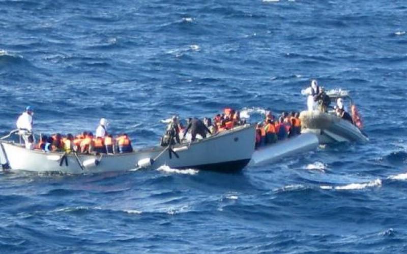 Des centaines de migrants naufragés sauvés en Méditerranée, au moins 10 morts