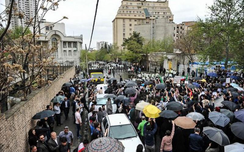 Agression sexuelle de deux adolescents iraniens par deux policiers saoudiens