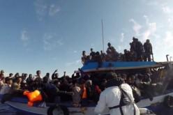 Méditerranée: 400 migrants disparaissent, l'Italie veut le soutien logistique et financier de l'Europe