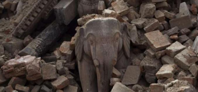 Népal: Plus de 5.000 morts, selon un nouveau bilan officiel