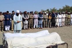 Pakistan: 20 ouvriers tués par des hommes armés