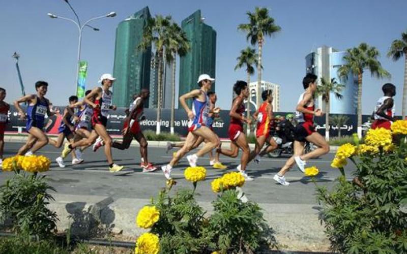 Au Qatar, des travailleurs immigrés forcés à courir un marathon