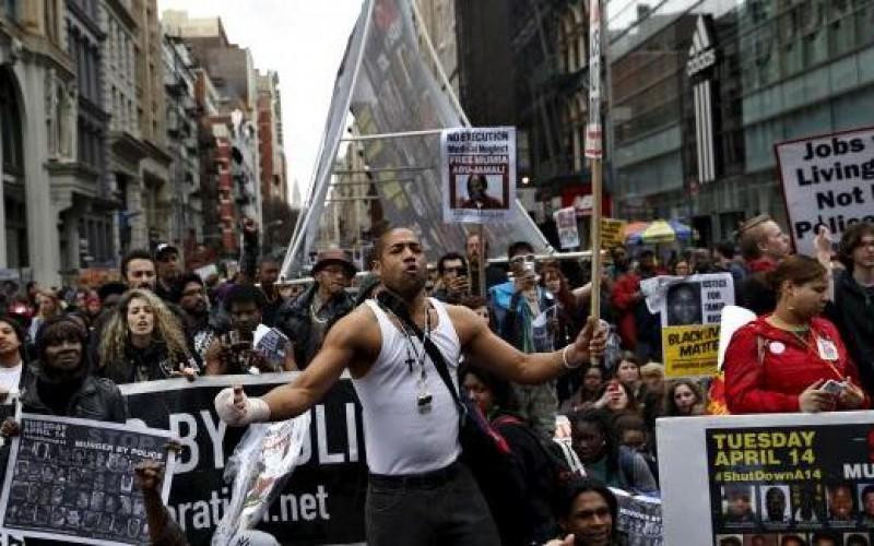 Etats-Unis: Nouvelle manifestation à New York contre la violence policière