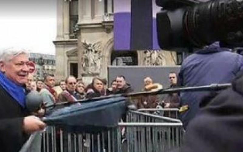 La France: plusieurs journalistes agressés lors du défilé du Front national