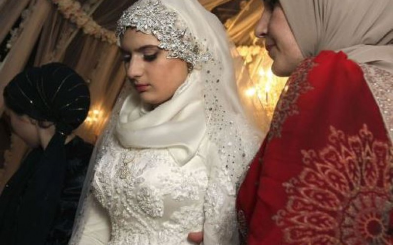 Le mariage forcé d'une ado tchétchène enflamme les réseaux sociaux