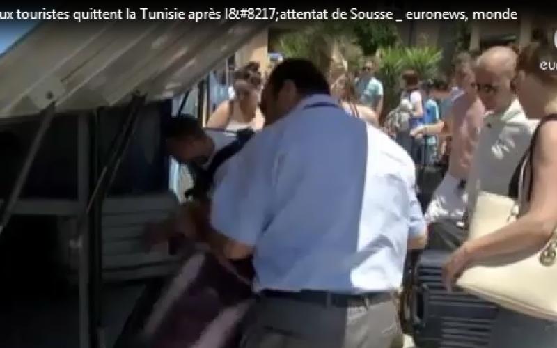 De nombreux touristes quittent la Tunisie après l'attentat de Sousse…