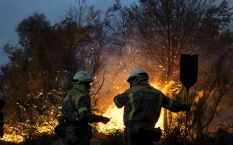 Espagne: un incendie embrase 2.000 hectares en Galice