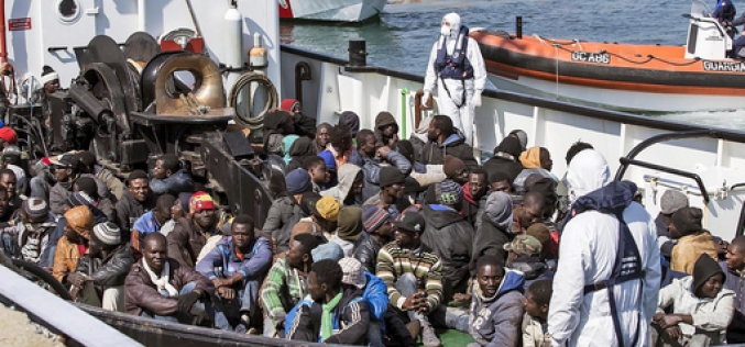 Des Grecs appellent à ouvrir les frontières pour laisser passer les migrants