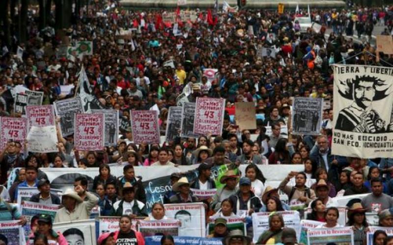 Mexique : manifestation un an après le rapt de 43 étudiants