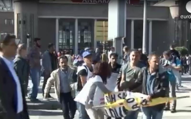 Plus de 80 morts dans un double attentat en plein coeur d'Ankara -vidéo