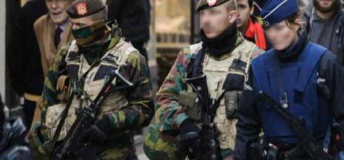 """Alerte terroriste à Bruxelles: fermeture des métros, menace """"imminente"""""""