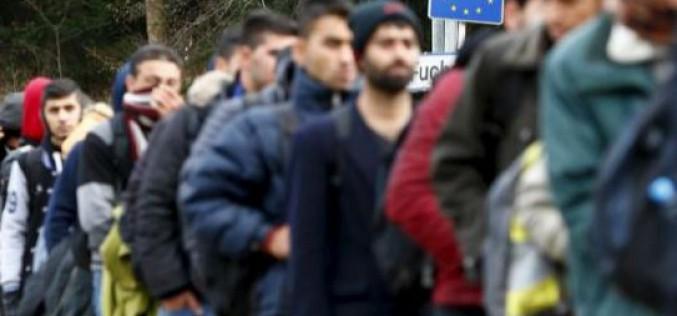 Les partis populistes européens ciblent les migrants