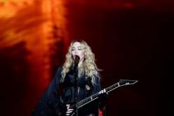 Vidéo : Madonna rend hommage aux victimes des attentats de Paris