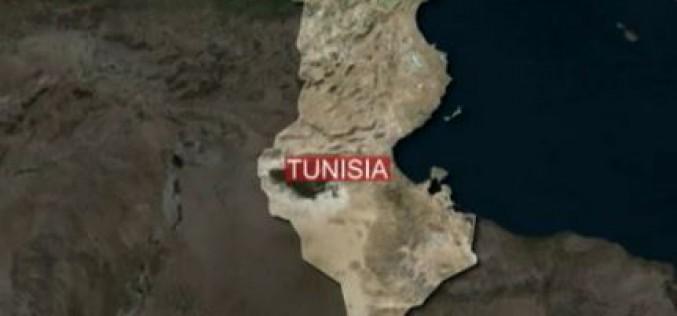 La Tunisie frappée par un attentat, au moins douze morts -vidéo