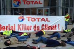 Total accusé de « crime contre l'humanité » par des militants écologistes