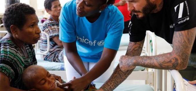 Papouasie-Nouvelle-Guinée : David Beckham et l'UNICEF aident les enfants souffrant de malnutrition