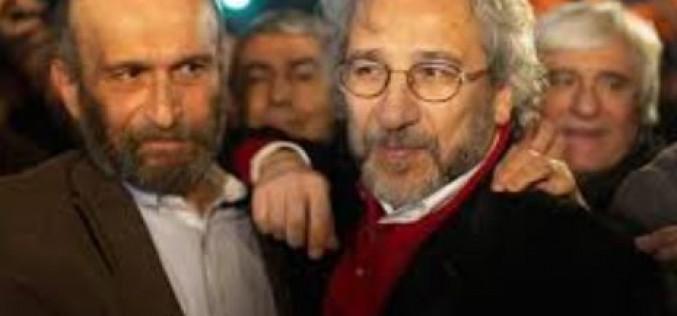 Turquie : libération de deux jouranlistes d'opposition qui ont révélé une livraison d'armes d'Ankara à des rebelles en Syrie