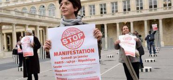 La France : Amnesty dénonce «une série de violations des droits humains»