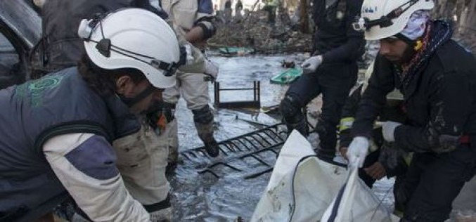 Syrie : un camp de réfugiés bombardé ,  plus de 220 000 morts depuis le début du conflit