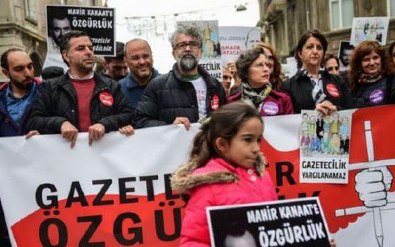 """Rapport: La liberté de la presse connaît une situation """"difficile"""" ou """"très grave"""" dans 72 pays (RSF)"""