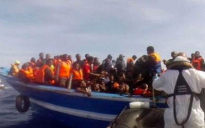 Des organisations humanitaires ont sauvé mercredi plus de 700 migrants en perdition en Méditerranée
