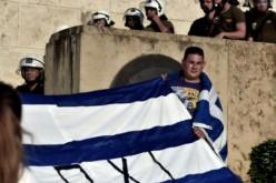 """Grèce: 17.000 manifestants disent """"non"""" au """"chantage des créanciers"""""""