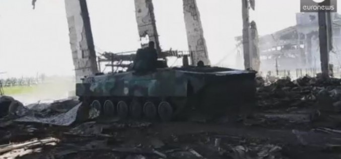Ukraine : de violents combats à Donetsk, le cessez-le-feu menacé (vidéo)