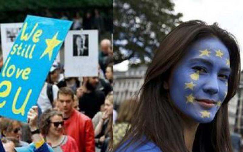"""''Nous t'aimons, Union européenne"""" Des milliers de Britanniques déclarent leur amour à l'Union européenne"""