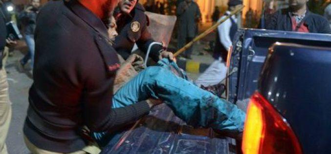 Pakistan: plus de 13 morts dans un attentat à Lahore